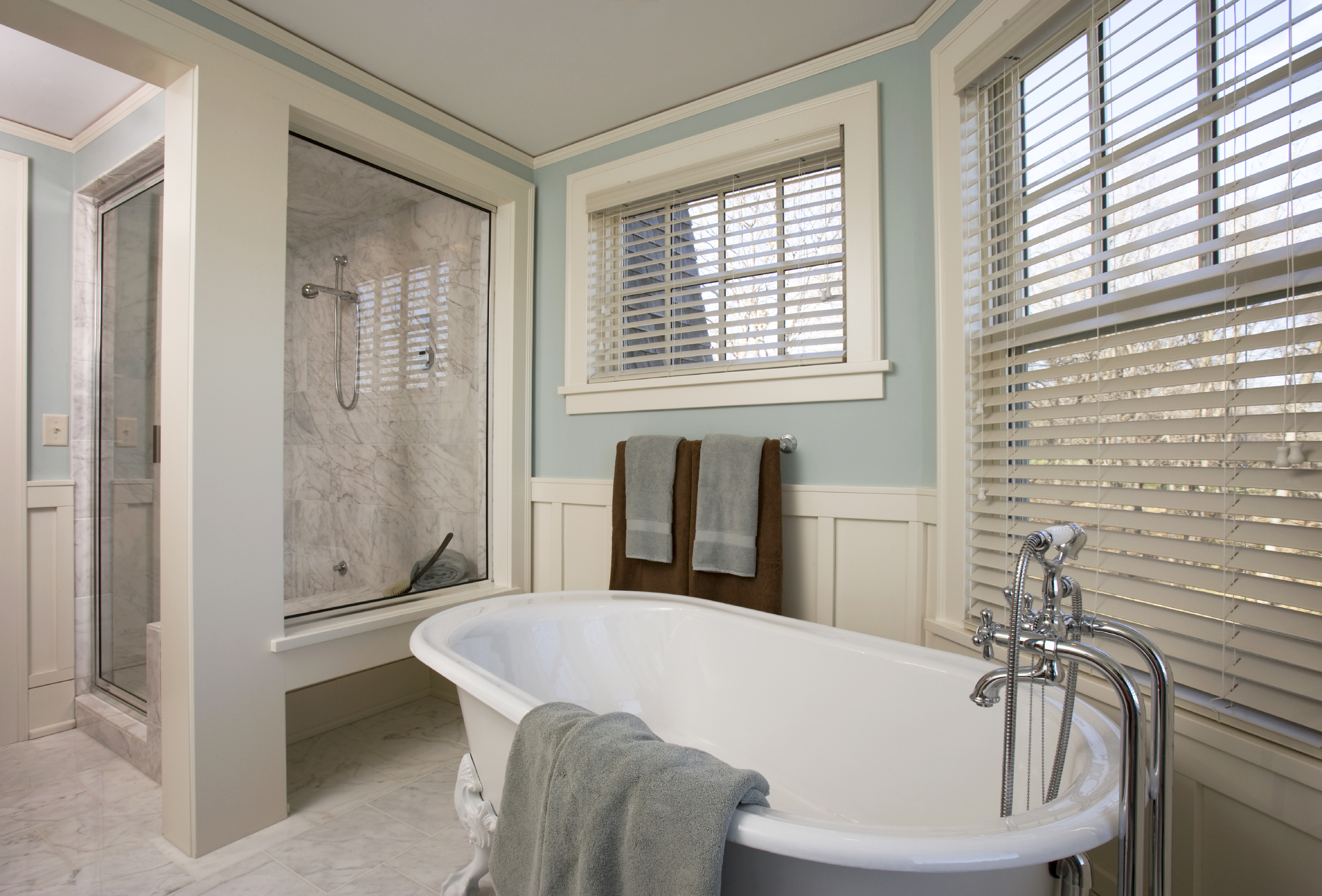 What Are The Best Blinds for Bathrooms?